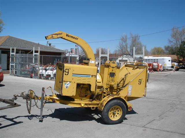 tree chipper, contractors equipment, wood chipper